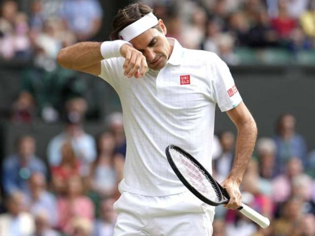 Federer recreates sad memories of 2008, netizens call for not to retire