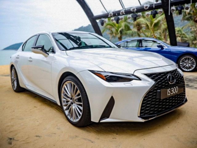 Lexus IS thế hệ mới vừa lăn bánh rao bán lỗ hơn 200 triệu đồng
