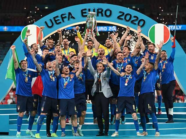 """""""Tân vương"""" Italia vô địch nghẹt thở, Anh ôm hận vì 3 """"tội đồ"""" ở chung kết EURO"""