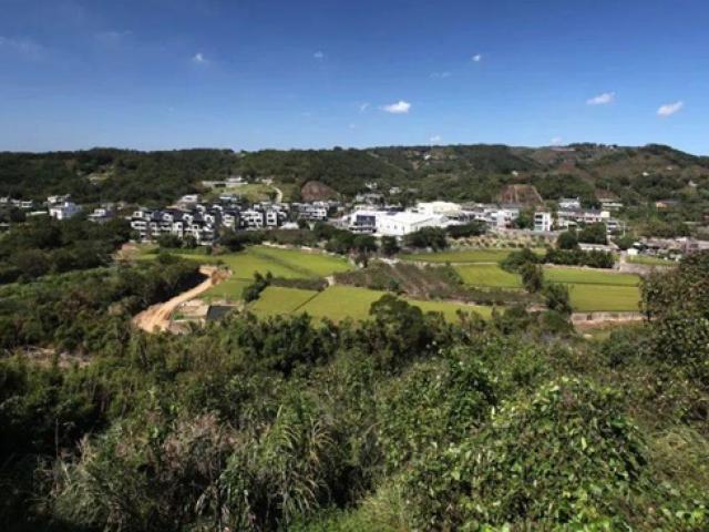 """24 gia đình góp 500 tỷ mua đất hoang làm làng """"biệt phủ"""" sống cực chất"""