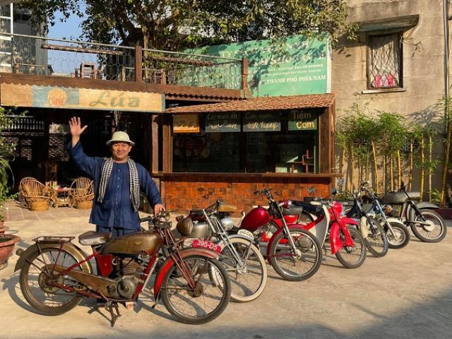 """Khám phá quán cà phê độc nhất vô nhị của """"Đại gia Sài Gòn""""  với hơn 5.000 cổ vật"""