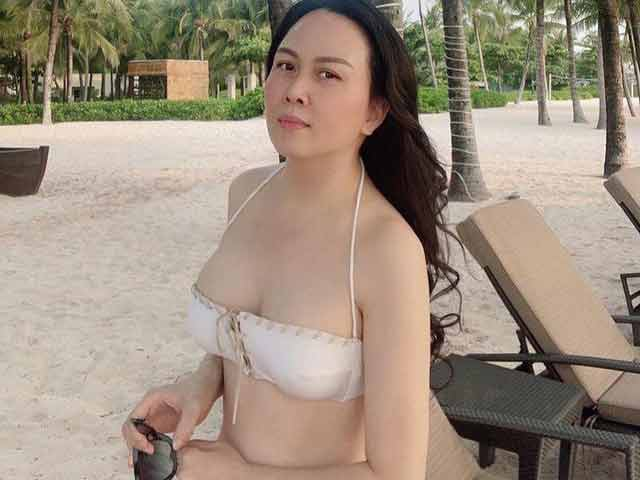 Phượng Chanel mặc bikini chứng minh nóng bỏng hơn sau khi chia tay Quách Ngọc Ngoan