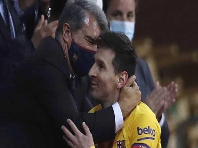 """Ngã ngửa Messi giảm 50% lương gia hạn với Barca chỉ là """"chiêu trò"""""""
