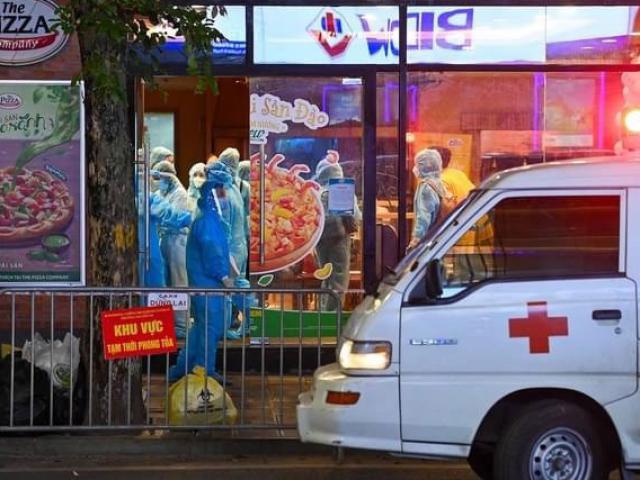 Hà Nội: Tạm phong toả quán pizza nơi đầu bếp kiêm shipper dương tính với SARS-CoV-2