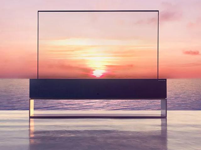 """Chiếc TV LG OLED màn hình cuộn giá 2,3 tỷ đồng sẽ """"lên kệ"""" vào tháng sau"""