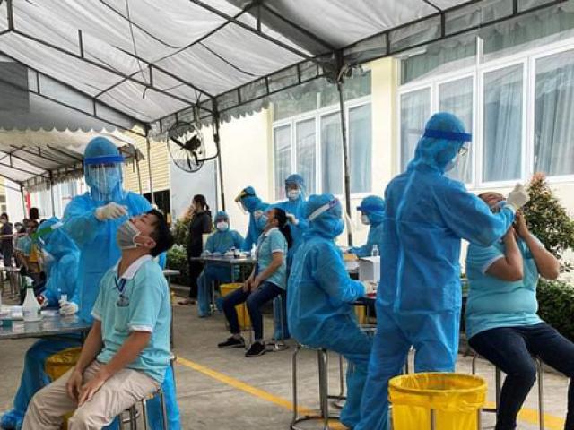 Dịch COVID-19 tại TP.HCM phức tạp, hơn 4.000 nhân viên y tế hỗ trợ chống dịch