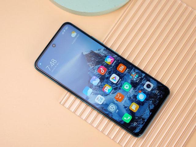 Vừa đánh bại Apple, Xiaomi đã muốn hạ bệ Samsung