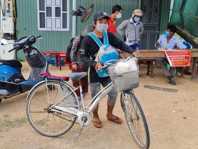 4 mẹ con đạp xe từ Đồng Nai về Nghệ An tiết lộ lý do mua xe để... đạp về quê