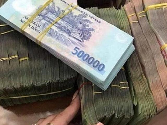 Kỷ lục mới về vay nợ để tham gia sân chơi nóng tại Việt Nam