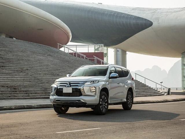 Giá xe Mitsubishi Pajero Sport lăn bánh tháng 7/2021, hỗ trợ 50% LPTB