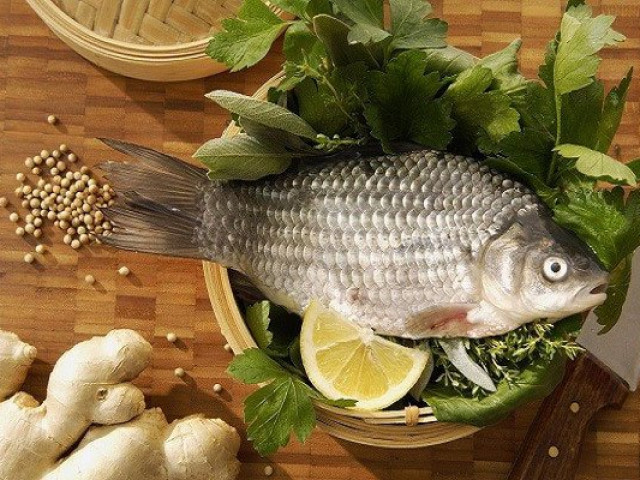 Rửa cá chỉ cần áp dụng 3 mẹo sau đảm bảo cá thơm ngon, hết sạch mùi tanh