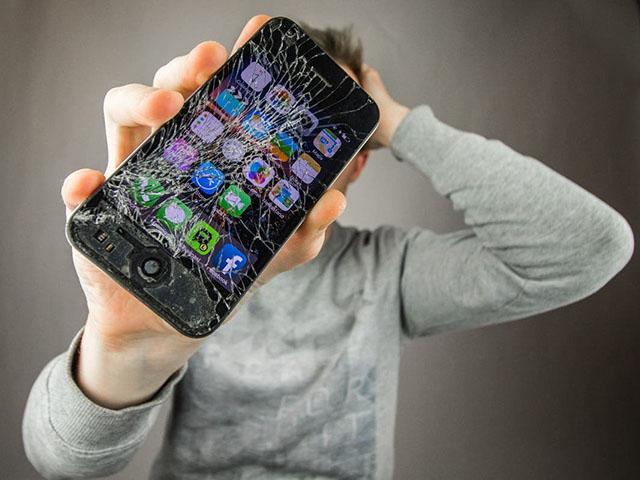"""""""Vũ khí bí mật"""" cho smartphone thành hiện thực: Kính tự phục hồi"""