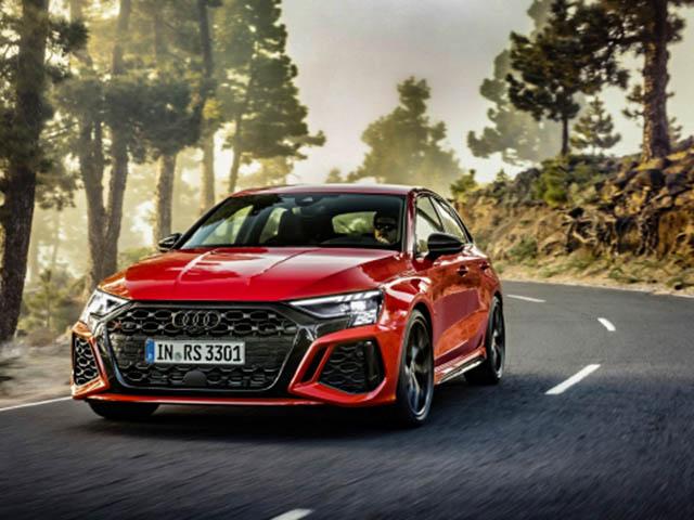 Audi RS3 Sportback thu hút khách hàng trẻ vì sở hữu động cơ mạnh 400 mã lực