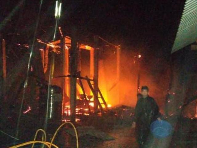 Cháy nhà trong đêm ở Quảng Trị, 2 cha con thương vong