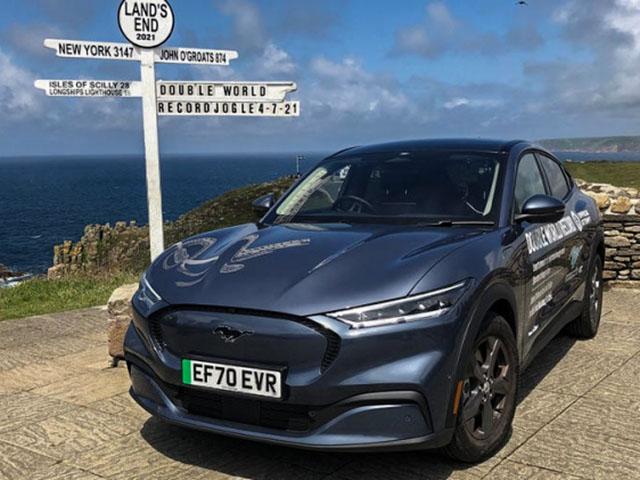 Xe điện Mustang Mach-E lập kỷ lục hơn 1.500km đi được trong 2 lần sạc