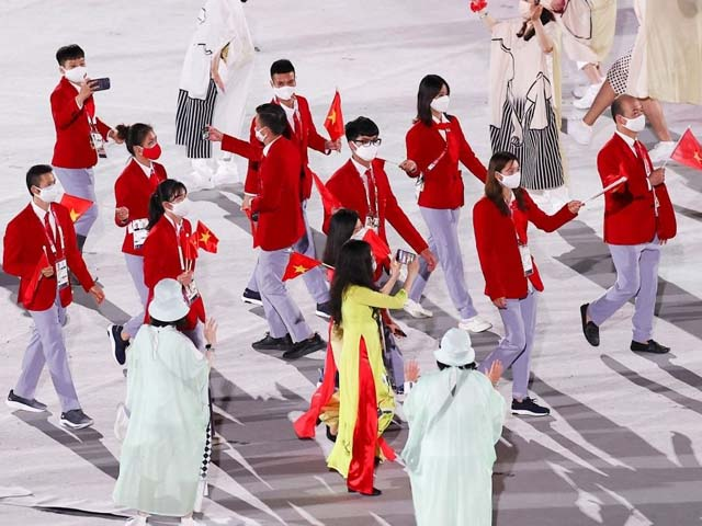 Lễ khai mạc Olympic Tokyo 2020: Đoàn Việt Nam diễu hành cùng bạn bè 5 châu