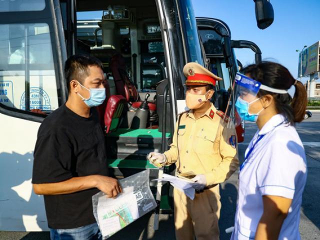 HN: 3 nhóm xe được ưu tiên đi lại trong thời gian giãn cách xã hội