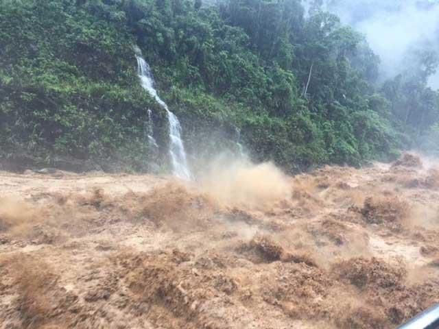 Áp thấp nhiệt đới bắt đầu đổi hướng, miền Trung mưa to hết ngày mai (25/7)