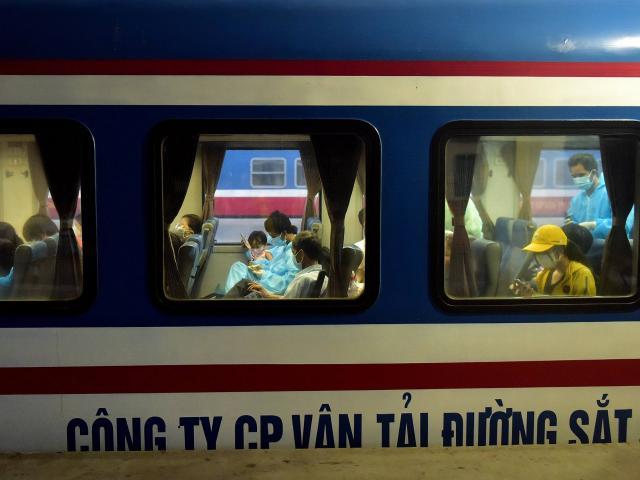 720 người Hà Tĩnh rời TP.HCM trên chuyến tàu đặc biệt