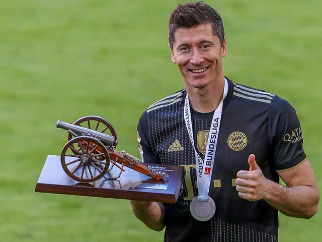Tin mới nhất bóng đá tối 25/7: Lewandowski & HLV Tuchel đoạt giải thưởng