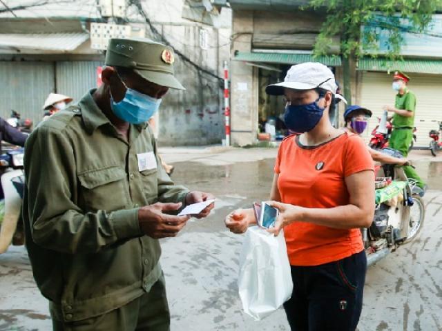 """Hà Nội: Một số phường áp dụng """"tem phiếu"""" đi chợ cho dân"""