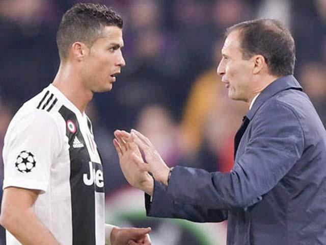 HLV Allegri họp báo, dọa tước quyền đá phạt của Ronaldo ở Juventus