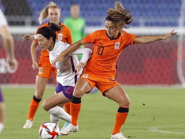 """Bóng đá nữ Trung Quốc thua 2-8 choáng váng Olympic, """"ôm hận"""" 17 lần thủng lưới"""