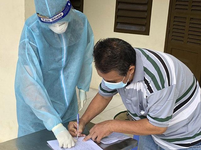 TP.HCM: Trong 1 ngày có 4.353 bệnh nhân COVID-19 xuất viện