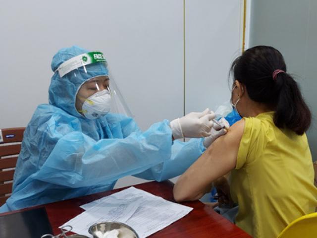 TP HCM sẽ tiêm vắc-xin phòng Covid-19 sau 18 giờ trong những ngày sắp tới