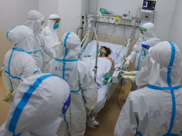 Bộ Y tế lập 12 trung tâm hồi sức tích cực COVID-19 quốc gia với quy mô gần 8.000 giường