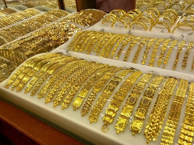 """Giá vàng hôm nay 2/8: """"Tụt dốc"""" ngay từ khi mở cửa"""