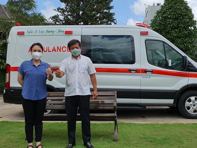 Cận cảnh chiếc xe 3 tỷ Việt Hương trao tặng ông Đoàn Ngọc Hải, dòng chữ trên thân xe gây chú ý