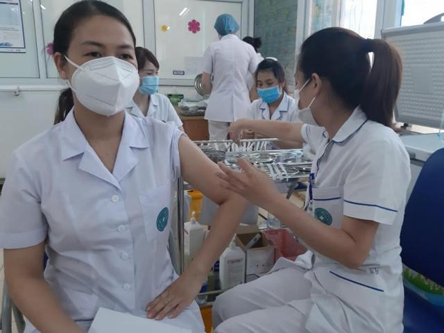 Gần 1, 2 triệu liều vắc-xin COVID-19 từ cơ chế COVAX về đến Việt Nam