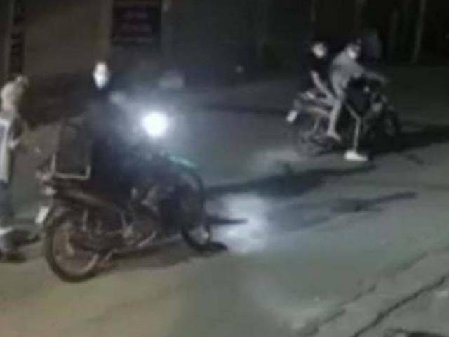 Nữ lao công Hà Nội hoảng sợ kể chuyện bị dí kiếm cướp xe máy trong đêm