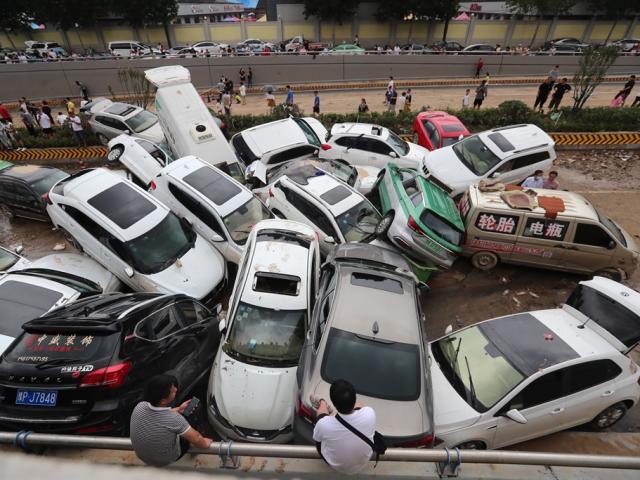 Lũ lụt thảm họa ở Trung Quốc: Số người chết tăng đột biến gấp 3 lần