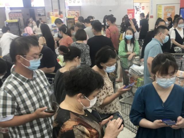 TQ: Phản ứng của người dân Vũ Hán sau khi biến thể Delta gây ổ dịch mới