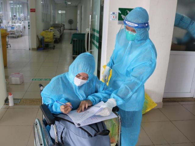 F0 điều trị trong bệnh viện: Đau đớn nhận tin mất người thân, cảm động bởi tình cảm của bác sĩ
