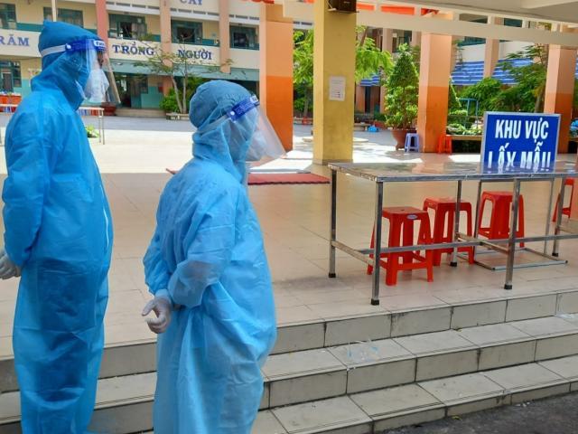 Hà Nội kêu gọi người dân có các triệu chứng sau cần khai báo để xét nghiệm SARS-CoV-2