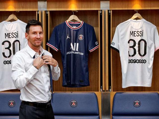 Messi đến PSG gây bão mạng xã hội: Suýt gặp sự cố, fan PSG tăng 10 lần