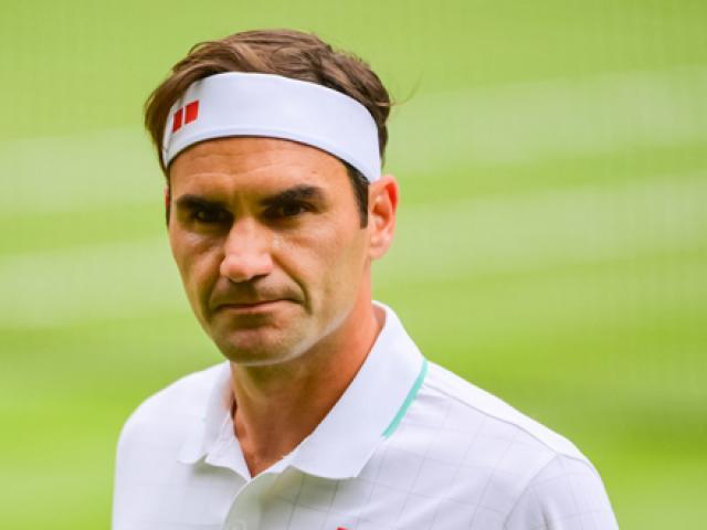 Federer sẽ nghỉ nhiều tháng phải chống nạng, lo âu cho huyền thoại