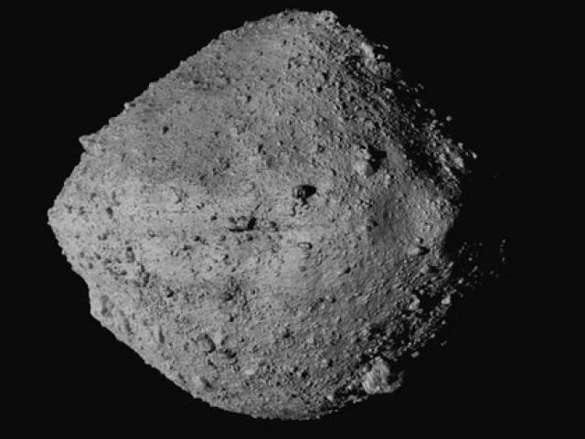 """Tiểu hành tinh mang """"vật liệu sự sống"""" có thể đâm vào Trái Đất"""