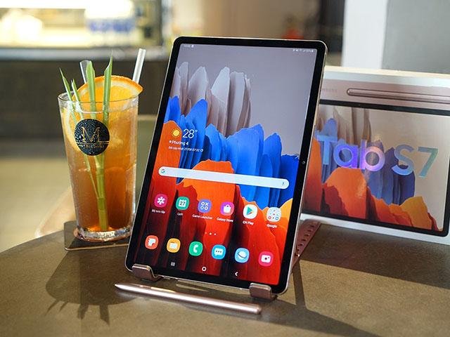 """Galaxy Tab S8 lộ cấu hình, """"ngon"""" không kém iPad Pro"""