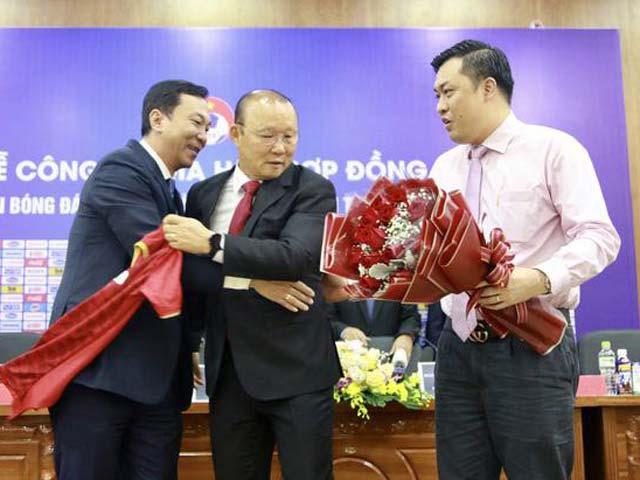 VFF bác tin HLV Park Hang Seo sang Thái Lan