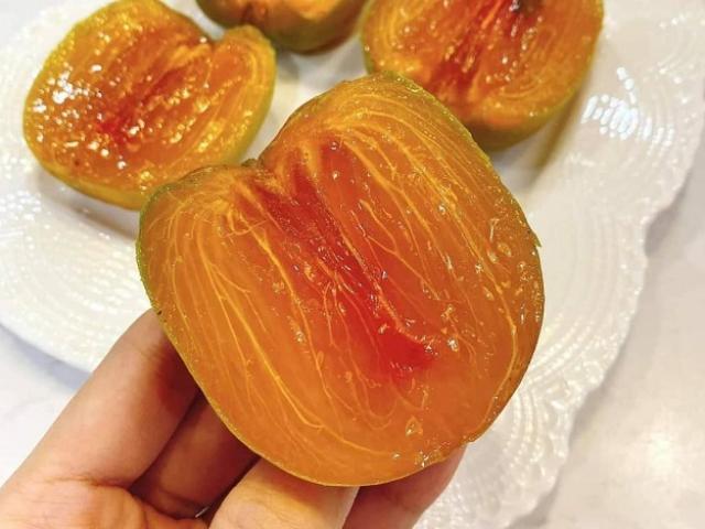 Loại hồng lạ ăn như thạch, giá cả trăm nghìn đồng/kg thành đặc sản hút khách Hà thành