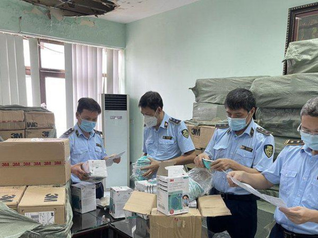 Hà Nội: Thu giữ hàng trăm nghìn vật tư y tế vi phạm, giả mạo nhãn hiệu