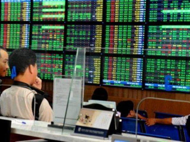Hai người dùng 50 tài khoản để thao túng cổ phiếu bị phạt 1,2 tỷ đồng