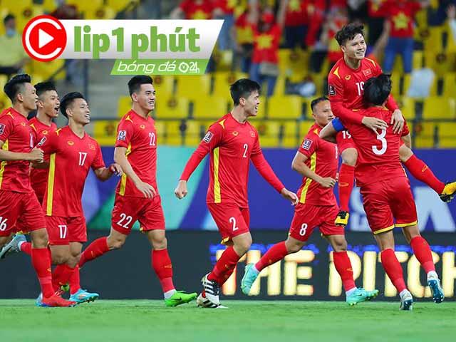 ĐT Việt Nam bàng hoàng vì thẻ phạt, nổi giận 2 quả penalty cho Saudi Arabia (Clip 1 phút Bóng đá 24H)