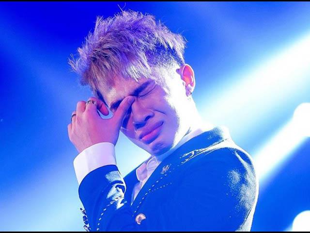 """MV """"Hồng nhan"""" gần 400 triệu view của Jack """"bay màu"""" khỏi Youtube"""
