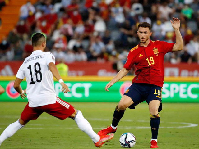 """Video bóng đá Tây Ban Nha - Georgia: Ác mộng VAR, """"Bò tót"""" trút giận (Vòng loại World Cup)"""