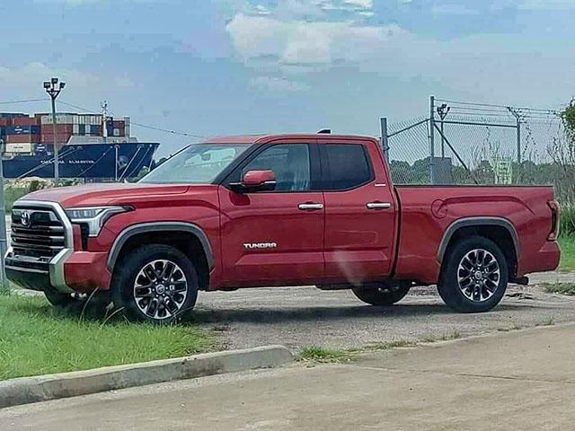 Xe bán tải cỡ lớn Toyota Tundra lộ ảnh thực tế, chờ ngày ra mắt